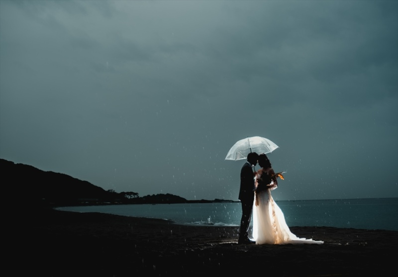 葉山前撮り雨 葉山フォトウェディング夜 葉山フォト傘